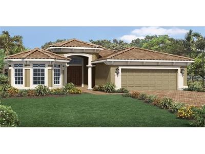 Bonita Springs Single Family Home For Sale: 10540 Valencia Lakes Dr