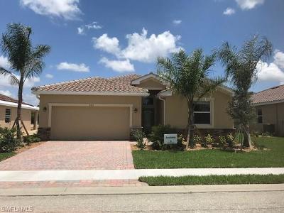 Cape Coral Single Family Home For Sale: 2425 Caslotti Way