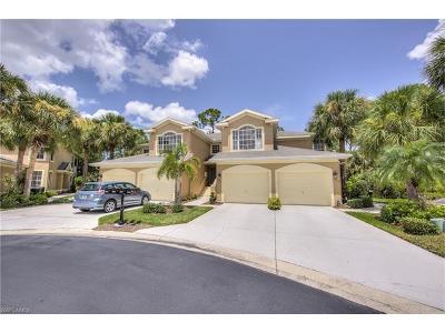 Estero Condo/Townhouse For Sale: 22938 Lone Oak Dr