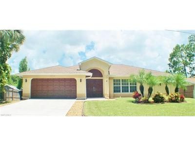 Bonita Springs Single Family Home For Sale: 27131 Edgewood St