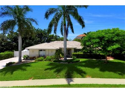 Marco Island Single Family Home For Sale: 102 S Covewood St