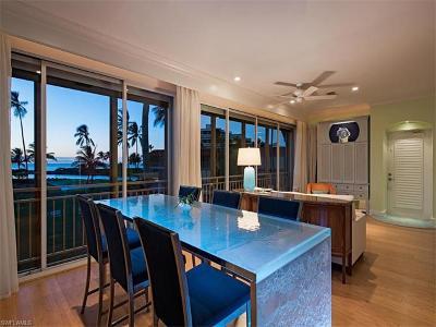 Naples Condo/Townhouse For Sale: 2206 N Gulf Shore Blvd #G-2
