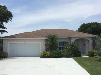 Marco Island Single Family Home For Sale: 714 Fairlawn Ct