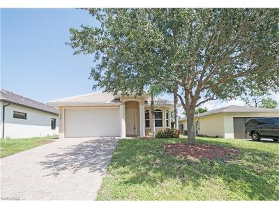Naples Single Family Home For Sale: 635 N 100th Ave