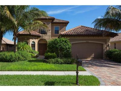 Naples Single Family Home For Sale: 7235 Acorn Way