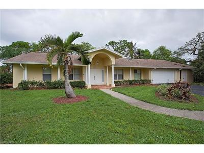 Naples Single Family Home For Sale: 147 Caribbean Ct