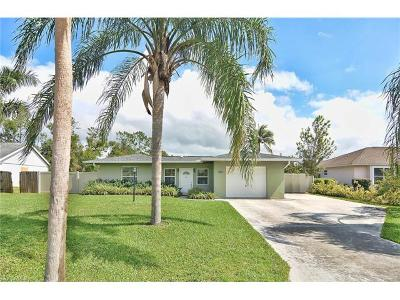 Bonita Springs Single Family Home For Sale: 10251 Sandy Hollow Ln