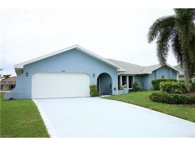 Cape Coral Single Family Home For Sale: 1102 SE 21st Ave