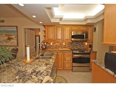 Marco Island Condo/Townhouse For Sale: 113500 Greenbrier St #102