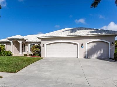 Marco Island Single Family Home For Sale: 824 Giralda Ct