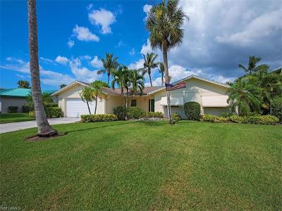 Naples Single Family Home For Sale: 2393 Longboat Dr