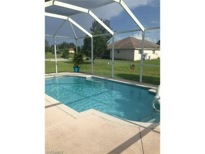 Cape Coral Single Family Home For Sale: 304 NW 18th St