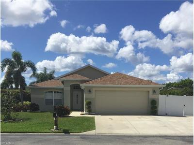 Fort Myers Single Family Home For Sale: 15578 Beachcomber Ave