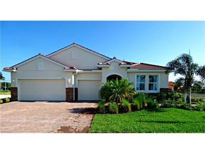 Cape Coral Single Family Home For Sale: 3067 Sunset Pointe Cir