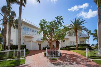 Marco Island Single Family Home For Sale: 881 Eubanks Ct