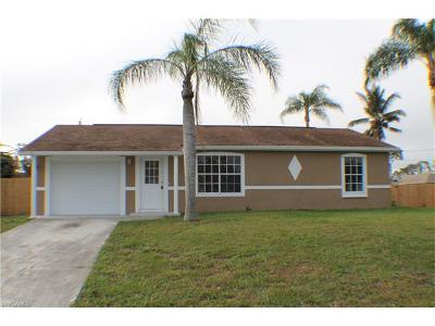 Naples Single Family Home For Sale: 5400 SW 23rd Pl