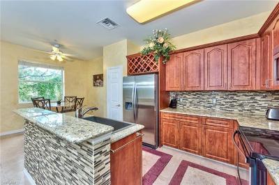 Bonita Springs Condo/Townhouse For Sale: 28101 Mandolin Ct #121