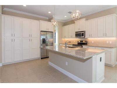 Bonita Springs Single Family Home For Sale: 9366 Isla Bella Cir