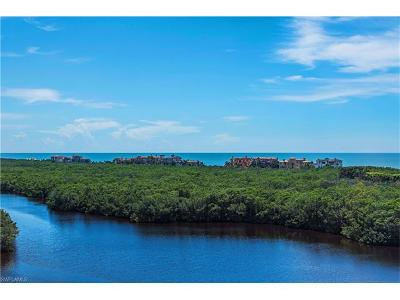 Naples Condo/Townhouse For Sale: 8990 Bay Colony Dr #702