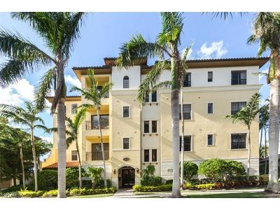Naples Condo/Townhouse For Sale: 2543 Marquesa Royale Ln #4-101