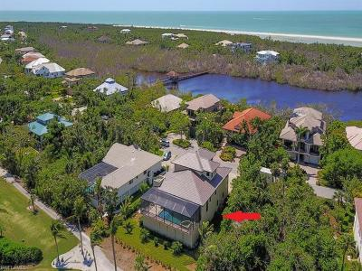 Marco Island Single Family Home For Sale: 841 W Hideaway Cir