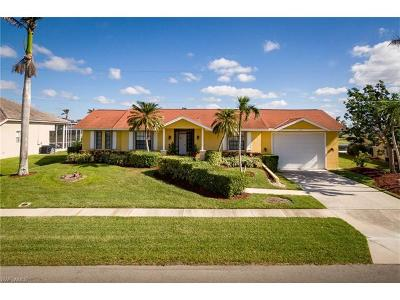 Marco Island Single Family Home For Sale: 219 Windbrook Ct