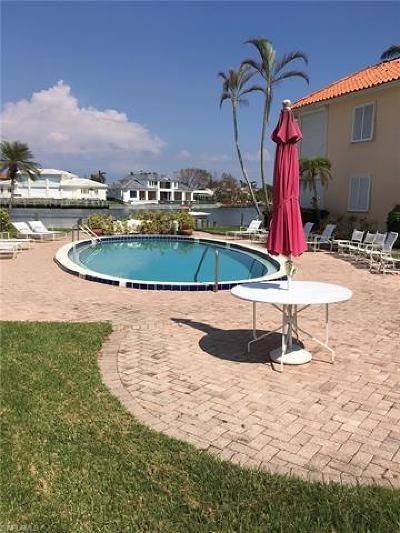Condo/Townhouse For Sale: 3070 N Gulf Shore Blvd #105