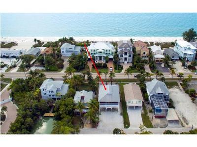 Bonita Springs Single Family Home For Sale: 26653 Hickory Blvd