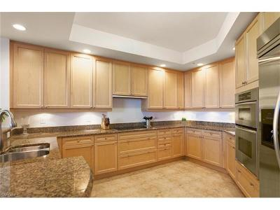 Bonita Springs Condo/Townhouse For Sale: 23850 Via Italia Cir #601