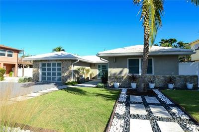 Fort Myers Beach Single Family Home For Sale: 7987 Estero Blvd