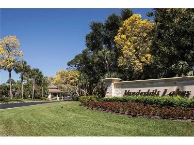 Bonita Springs Condo/Townhouse For Sale: 3940 Leeward Passage Ct #204