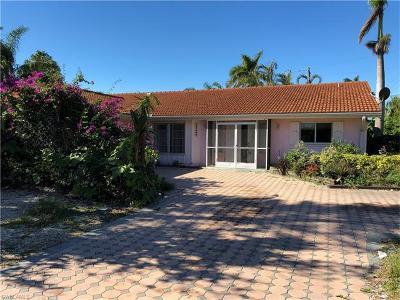 Bonita Springs Single Family Home For Sale: 27500 Garrett St