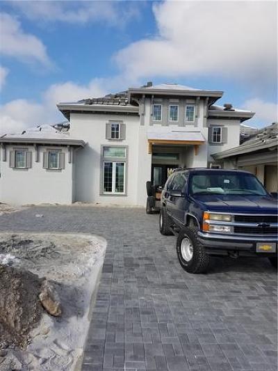 Naples Single Family Home For Sale: 6247 Lightbourn Way