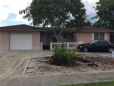 Marco Island Single Family Home For Sale: 426 Yellowbird St