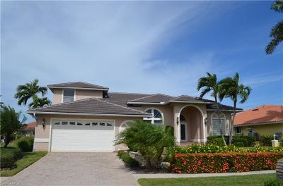 Marco Island Single Family Home For Sale: 477 Driftwood Ct