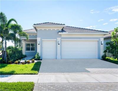 Bonita Springs Single Family Home For Sale: 28760 Montecristo Loop