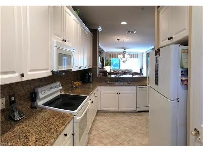 Condo/Townhouse For Sale: 4884 Hampshire Ct #7-104