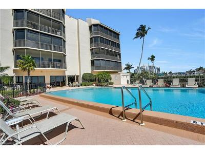 Marco Island Condo/Townhouse For Sale: 961 Collier Ct #105