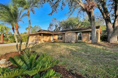 Naples Single Family Home For Sale: 2585 W Outrigger Ln