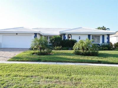 Marco Island Single Family Home For Sale: 365 Henderson Ct