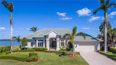 Marco Island Single Family Home For Sale: 147 Stillwater Ct