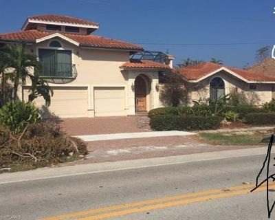 Marco Island Single Family Home For Sale: 281 N Barfield Dr