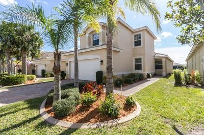 Fort Myers Single Family Home For Sale: 10458 Spruce Pine Ct