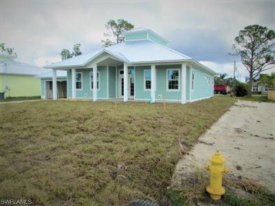 Bonita Springs Single Family Home For Sale: 26557 Lincoln Ave