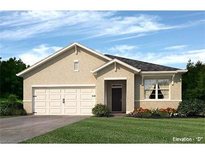 Cape Coral Single Family Home For Sale: 2611 Manzilla Ln