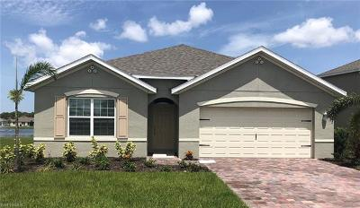 Cape Coral Single Family Home For Sale: 3442 Manati Ct