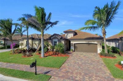 Naples Single Family Home For Sale: 3014 Aviamar Cir
