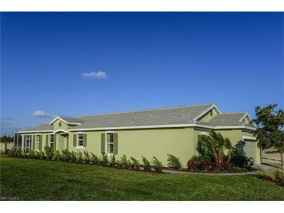 Cape Coral Single Family Home For Sale: 2721 Vareo Ct