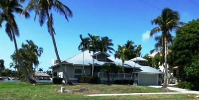 Marco Island Single Family Home For Sale: 358 Century Dr