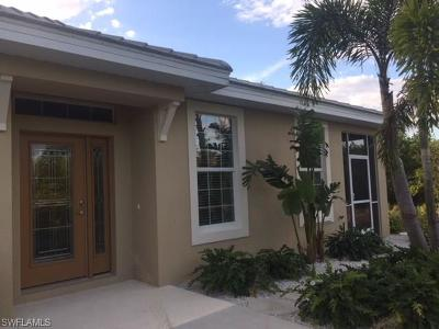 Fort Myers Single Family Home For Sale: 14624 Abaco Lakes Dr #64-59
